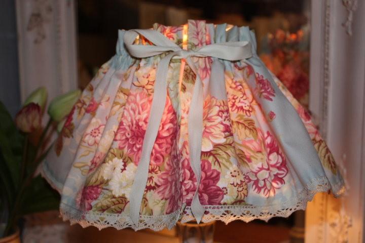 Kit de cr ation couture jupon abat jour toile fleurie for Creer un abat jour