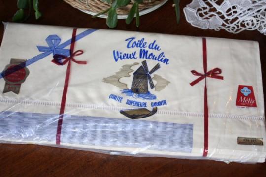 """Parure de draps en métis """"Fleur bleue"""" avec jours Venise (état neuf)"""